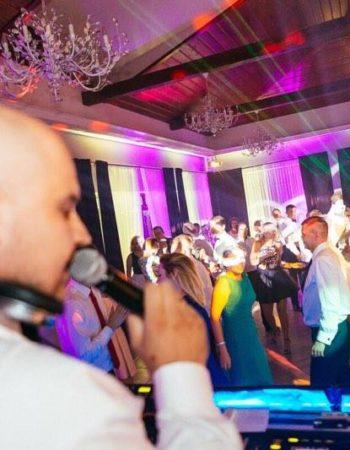 dj blaym – wesela z wodzirejem. Kompleksowa oprawa muzyczna i techniczna  imprez.